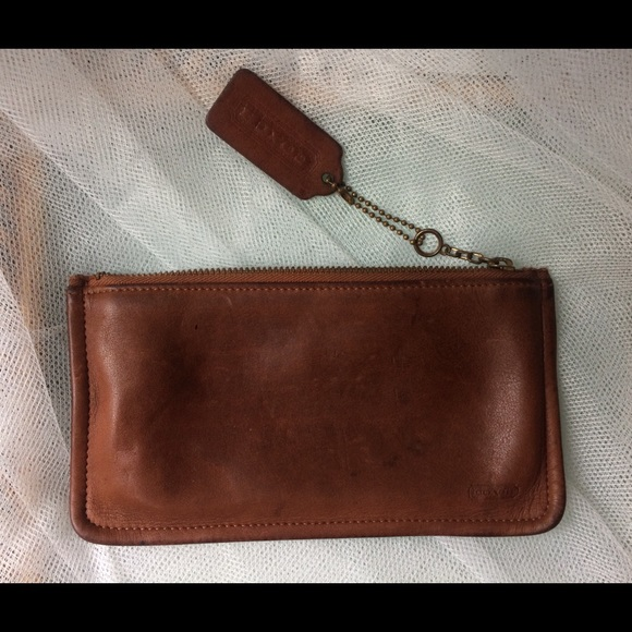 Coach Handbags - VINTAGE COACH LEATHER ZIPPER WALLET